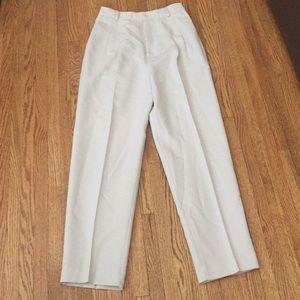 Light tan pants (khaki)